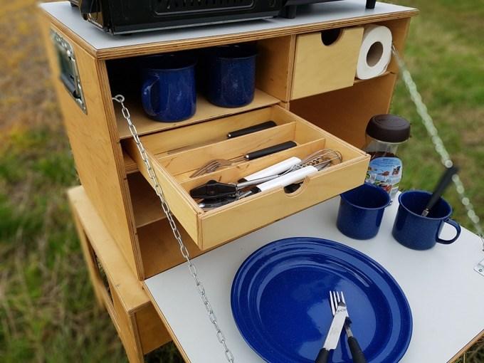 Willi-Wood-Klassik-Kitchen-Nahaufnahme-links
